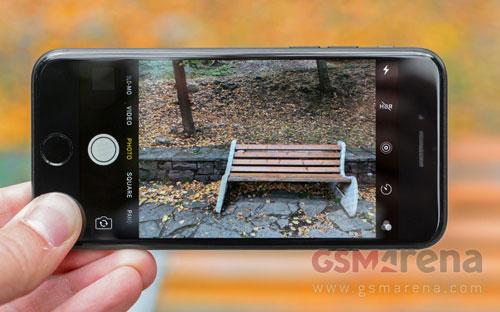 iphone 8 se co ba phien ban, mat lung bang kinh - 3
