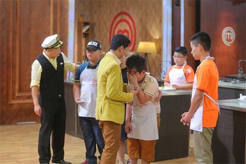 tv show: hoc tro dong nhi dang quang thuyet phuc; thi sinh ra ve vi... xin do an cua ban - 9