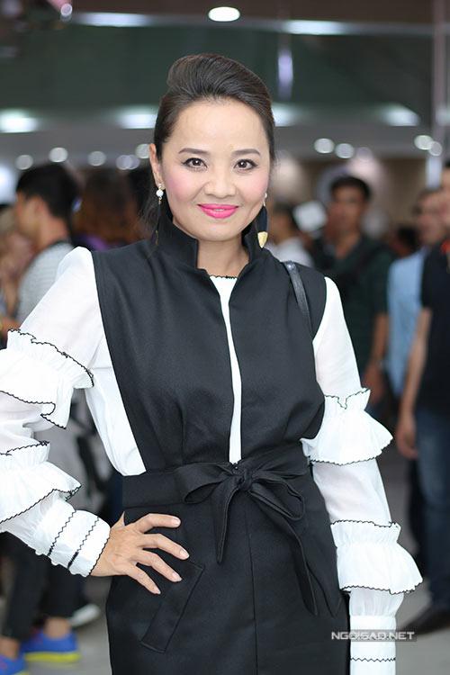 Thời trang sao Việt xấu tuần qua: 27 tuổi nhưng Midu bị nhận xét như U50-4