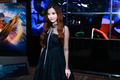 Thời trang sao Việt xấu tuần qua: 27 tuổi nhưng Midu bị nhận xét như U50-1