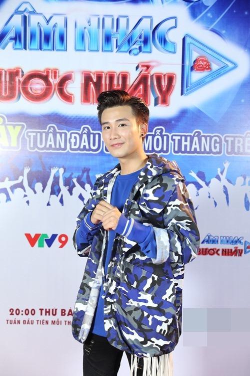 Phương Thanh tái xuất truyền hình sau chuyến tu học, Cao Thái Sơn bịt mắt đi ghi hình-16