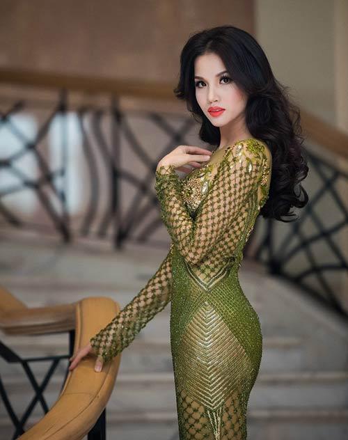 Vợ chồng Bebe Phạm – Dustin Nguyễn tình tứ, ngọt ngào trên thảm đỏ-11