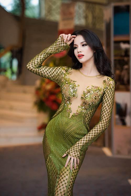 Vợ chồng Bebe Phạm – Dustin Nguyễn tình tứ, ngọt ngào trên thảm đỏ-2