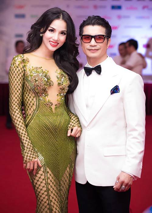 Vợ chồng Bebe Phạm – Dustin Nguyễn tình tứ, ngọt ngào trên thảm đỏ-4