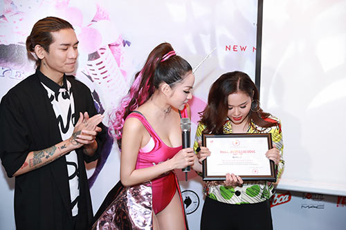 "thuy top: ""nhieu nguoi khuyen toi phai song the nay kia, nhung toi khong quan tam"" - 7"