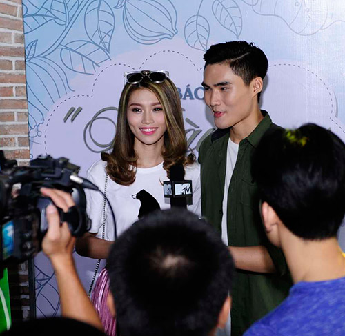 """""""cap doi tv show"""" quynh chau - quang hung tinh tu den chuc mung nhom nhac - 4"""