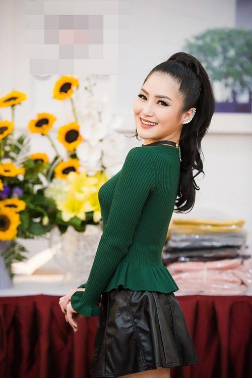 "huong tram ""chan ngan"" van tu tin day minh ben huyen my, ngoc han - 3"