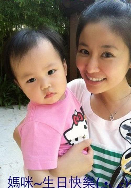 Lâm Tâm Như còn đang bầu, con gái Triệu Vy đã sắp thành đại mỹ nhân giống mẹ-5
