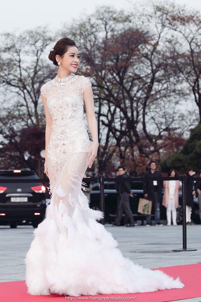 Thời trang sao Việt đẹp: Chi Pu hot nhất tuần nhờ váy táo bạo và giầy cao 18cm-1