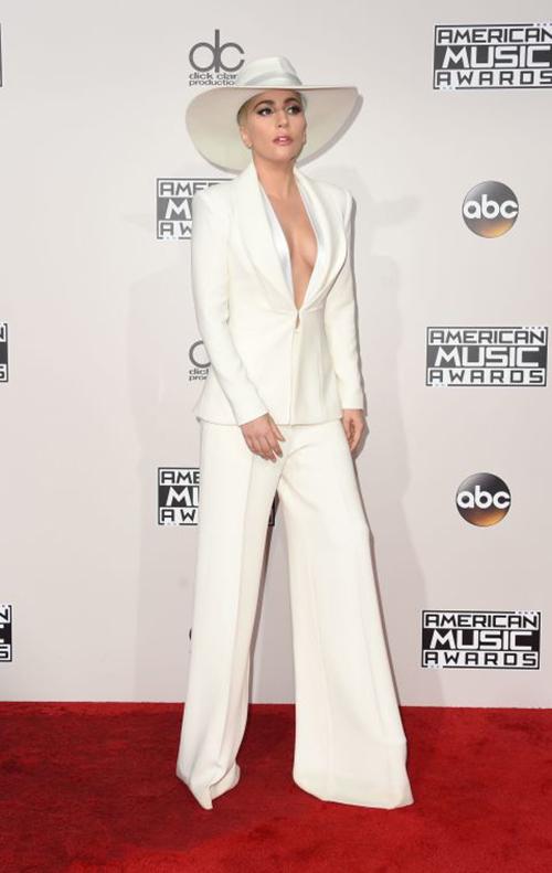 Ơn Trời, Lady Gaga đã hết thời thảm họa thời trang! - 5