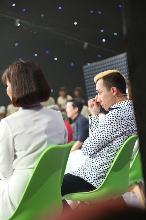 Trấn Thành rơi nước mắt khi nghe chàng trai hát giống hệt danh ca Khánh Ly-8