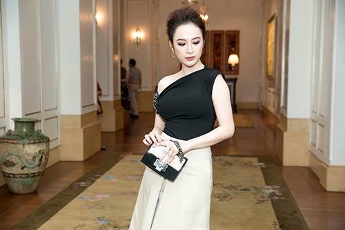 Angela Phương Trinh được Bằng Kiều ôm eo thân mật trong sự kiện-2