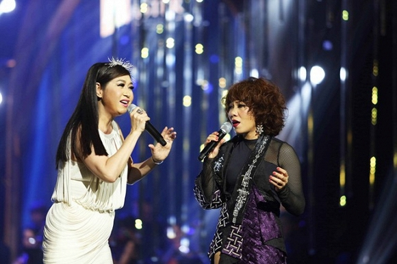 Thời trang sao Việt xấu: Hòa Minzy bị chê là thảm họa thời trang-8