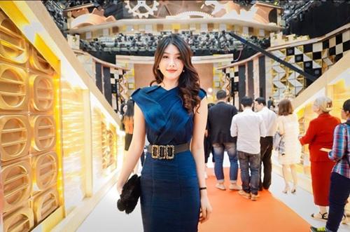 Mỹ nhân 9X Huỳnh Tiên hội ngộ dàn sao TVB tại Hongkong-3