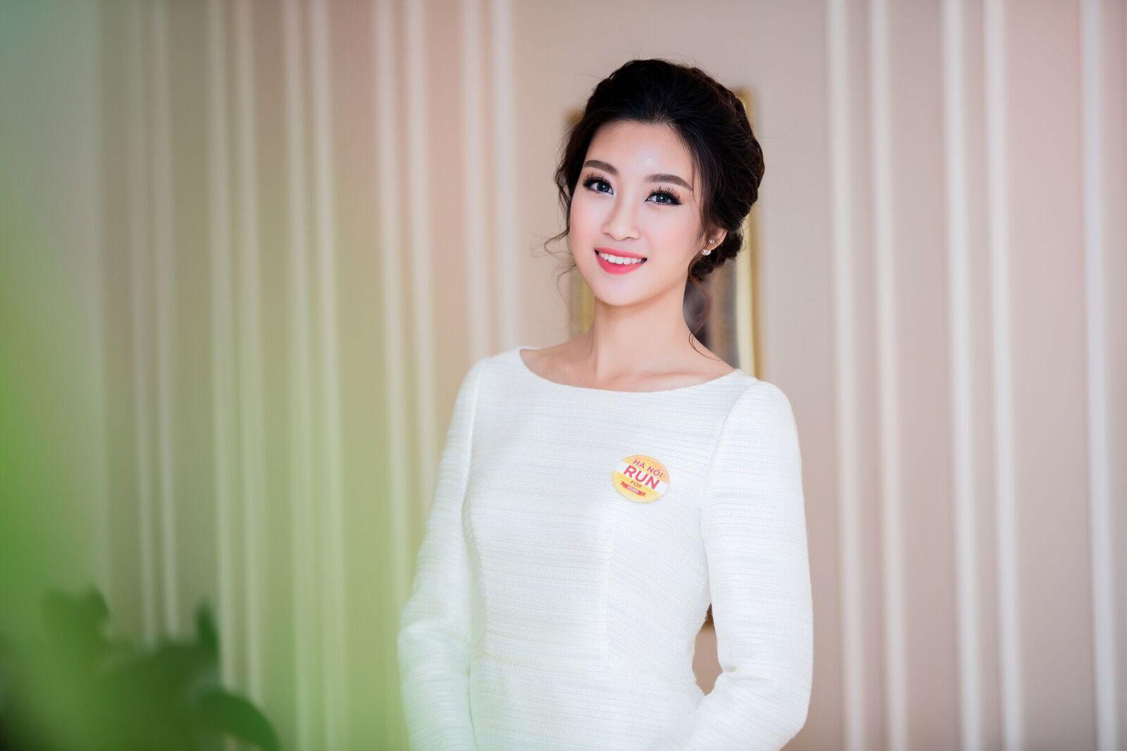 "hoa hau my linh ""an diem"" tuyet doi voi lua chon tinh gian nhung day thong minh - 4"