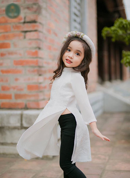 """Bé gái Hà Nội được hứa hẹn """"sinh ra để làm hoa hậu""""-7"""