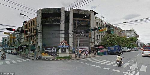 hang nghin con ca chiem trung tam thuong mai giua long bangkok suot 10 nam - 1