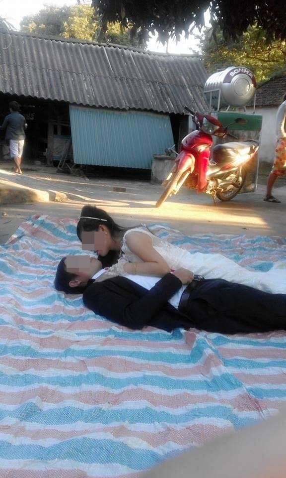 """trai bat chup anh cuoi, doi vo chong duoc dan mang """"cuu nguy"""" bang photoshop - 2"""