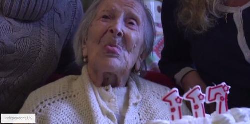 Thì ra đây chính là bí quyết sống vượt thế kỷ của cụ già nhiều tuổi nhất thế giới-1