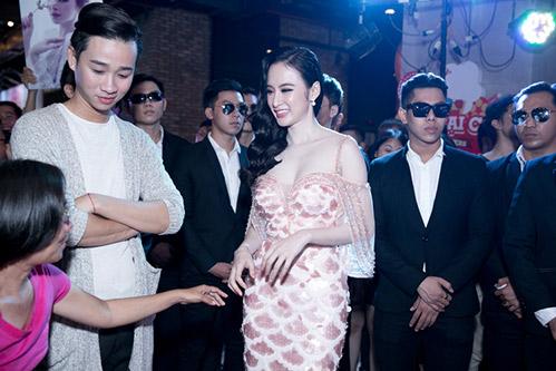 Sánh đôi cùng Võ Cảnh, Angela Phương Trinh thuê hẳn dàn vệ sĩ tháp tùng-18