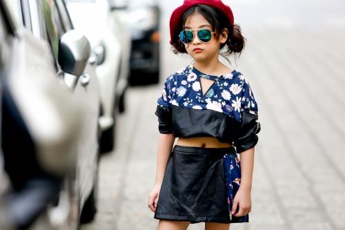Thiên thần 7 tuổi Hà Nội đi đâu cũng sáng nhất phố vì mặc cực chất - 6