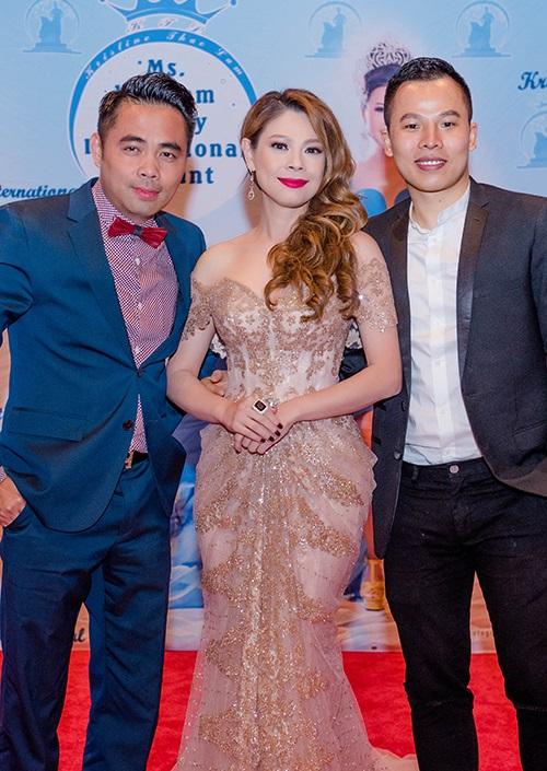 Cùng một chiếc váy, Hoa hậu Mỹ Linh - ca sĩ Thanh Thảo ai đẹp hơn? - 3