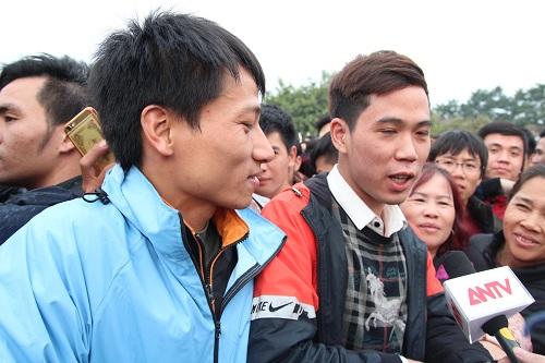 """Sân vận động Mỹ Đình """"vỡ trận"""" vì hàng vạn người đổ về mua vé xem đội tuyển Việt Nam-7"""