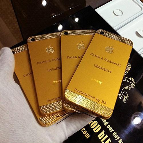 Đám cưới 'siêu khủng': Khách được tặng phong bì tiền, iphone dát vàng-5