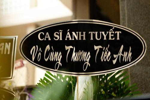 Thành Lộc, Ái Phương, Ánh Tuyết lặng đi trước linh cữu ca sĩ Quang Lý-3