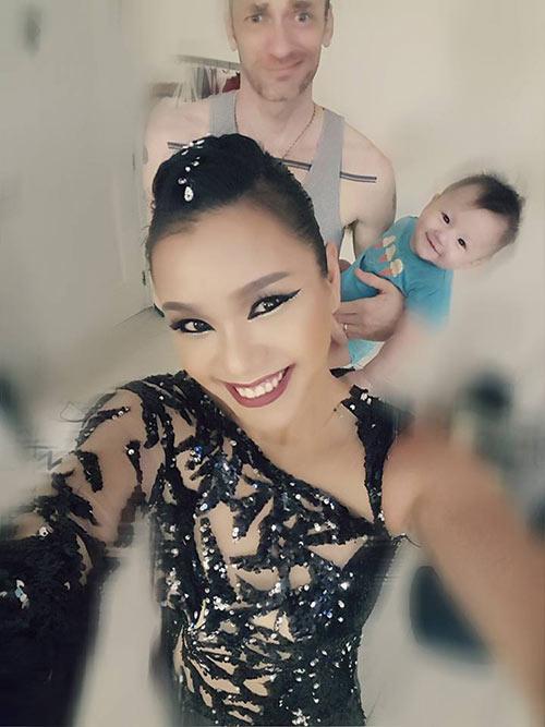 phuong vy idol va chong tay yeu chieu con gai de thuong 7 thang tuoi - 5