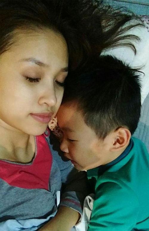 khanh thi muon con trai hoc hat bang kieu - 7