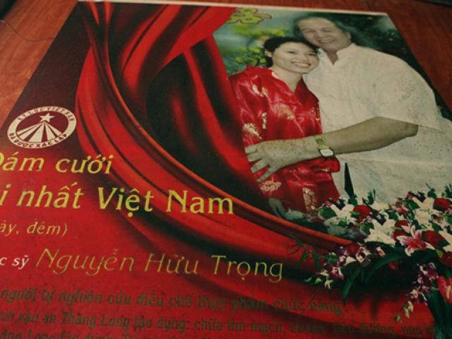 Ly kì đám cưới kéo dài 28 ngày, đón 4.000 khách của cặp đũa lệch