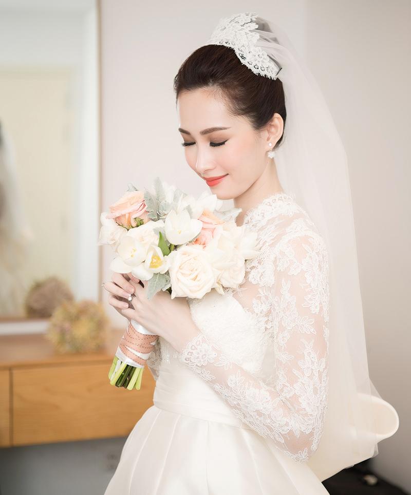 Thu Thảo là cô dâu đẹp nhất hôm nay, xứng danh 'thần tiên tỷ tỷ' của làng giải trí Việt.