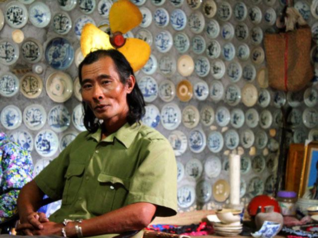 Những ngôi nhà Việt bỗng dưng nổi tiếng vì xây bằng chất liệu kì quái khác người