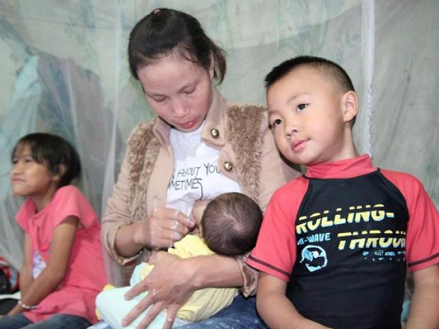 Hà Nội: Người phụ nữ 29 tuổi đẻ sòn sòn 8 con sau 12 năm kết hôn