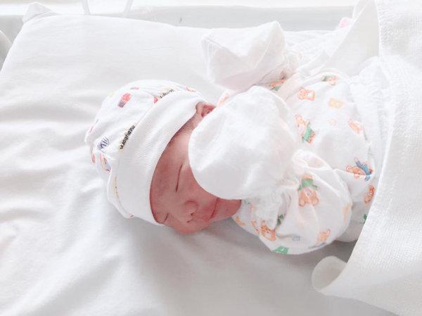 Chăm chỉ ăn vừng đen và dứa cuối thai kỳ, mẹ đẻ thường nhanh siêu tốc chỉ 26 phút - 9