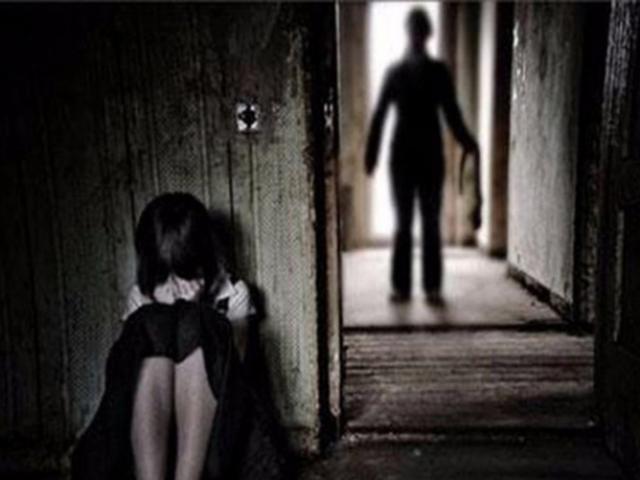 Vừa ra tù về tội dâm ô trẻ em, cha dượng tiếp tục xâm hại con gái riêng của vợ