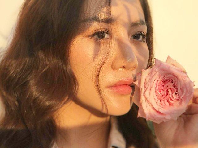 Trùng hợp khó tin trong 2 cuộc tình bỏ quên sự nghiệp của Văn Mai Hương