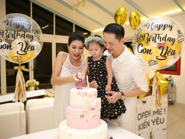 Trang Tran husband and wife celebrating a birthday girl at the age of 2 years