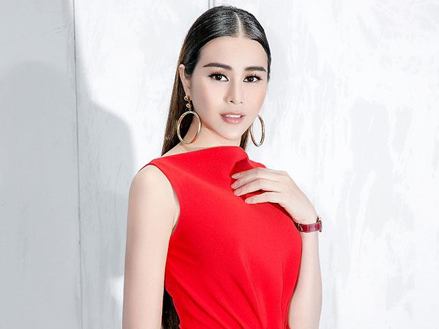 Sella Trương nổi bật với váy đỏ sau thời gian vắng bóng