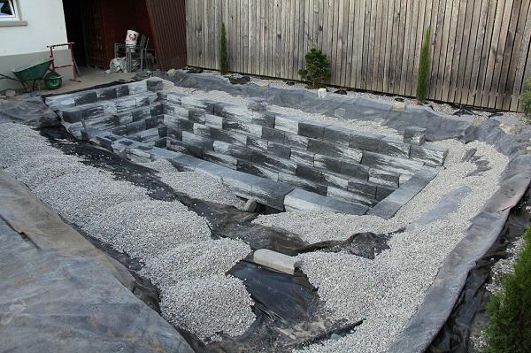 Tự xây bể bơi thiên nhiên tuyệt đẹp, ba bố con khiến hàng xóm amp;#34;phát ghenamp;#34; - 9