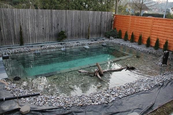 Tự xây bể bơi thiên nhiên tuyệt đẹp, ba bố con khiến hàng xóm amp;#34;phát ghenamp;#34; - 15