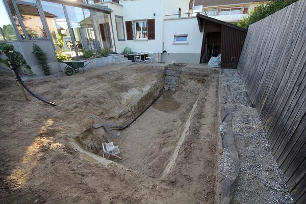 Tự xây bể bơi thiên nhiên tuyệt đẹp, ba bố con khiến hàng xóm amp;#34;phát ghenamp;#34; - 5