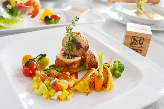 Khuyến mãi hấp dẫn khi tham gia lớp học nấu ăn tại bếp gia đình - Hướng Nghiệp Á Âu