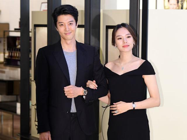 Ngôi sao 24/7: Con ghẻ quốc dân Lee Dong Gun vào phòng hộ sinh cùng vợ vượt cạn thành công