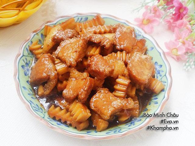 Thịt kho dừa đơn giản nhưng đậm đà, trôi cơm