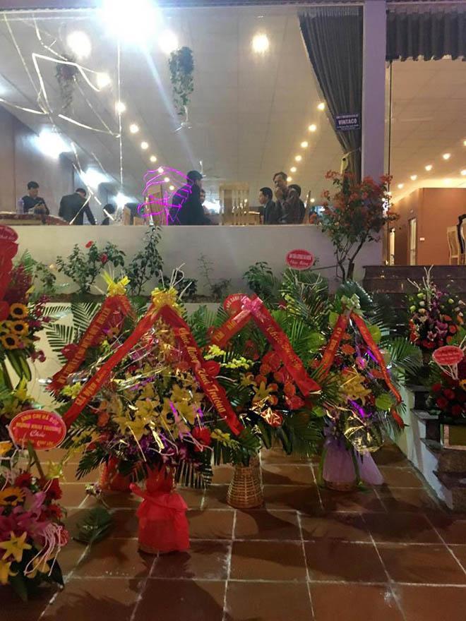 Á hậu Nguyễn Vân Anh chính thức khai trương nhà hàng Thiên Cầm
