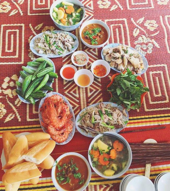 9x xinh dep chia se nhung bua com day ap mon ngon, chi 25 nghin dong/nguoi - 5