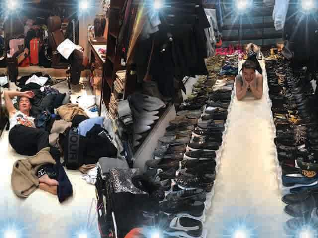 Đàm Vĩnh Hưng ơi, nhà anh hay shop thời trang mà đồ hiệu xếp lớp thế này!