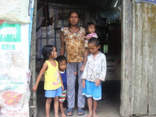 2 lần đẻ rơi, mẹ 33 tuổi tiếp tục sinh con thứ 5 trong cảnh không đủ 500.000 đi đẻ